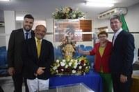 Câmara Municipal recebe imagem de Santa Luzia