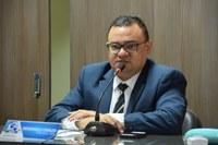 Vereador Rondinelli Carlos solicita serviços básicos para a população no campo