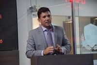 Alex Moacir anuncia reformas em praças e ruas da cidade