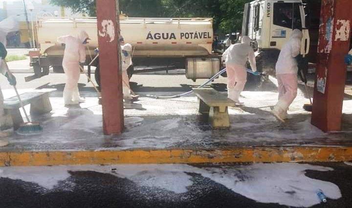 Aline Couto agradece limpeza em paradas de ônibus
