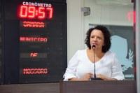Aline Couto busca melhorias para escolas municipais