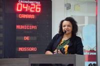 Aline Couto comemora licitação para calçamento de ruas