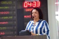 Aline Couto defende tratamento de pacientes renais crônicos