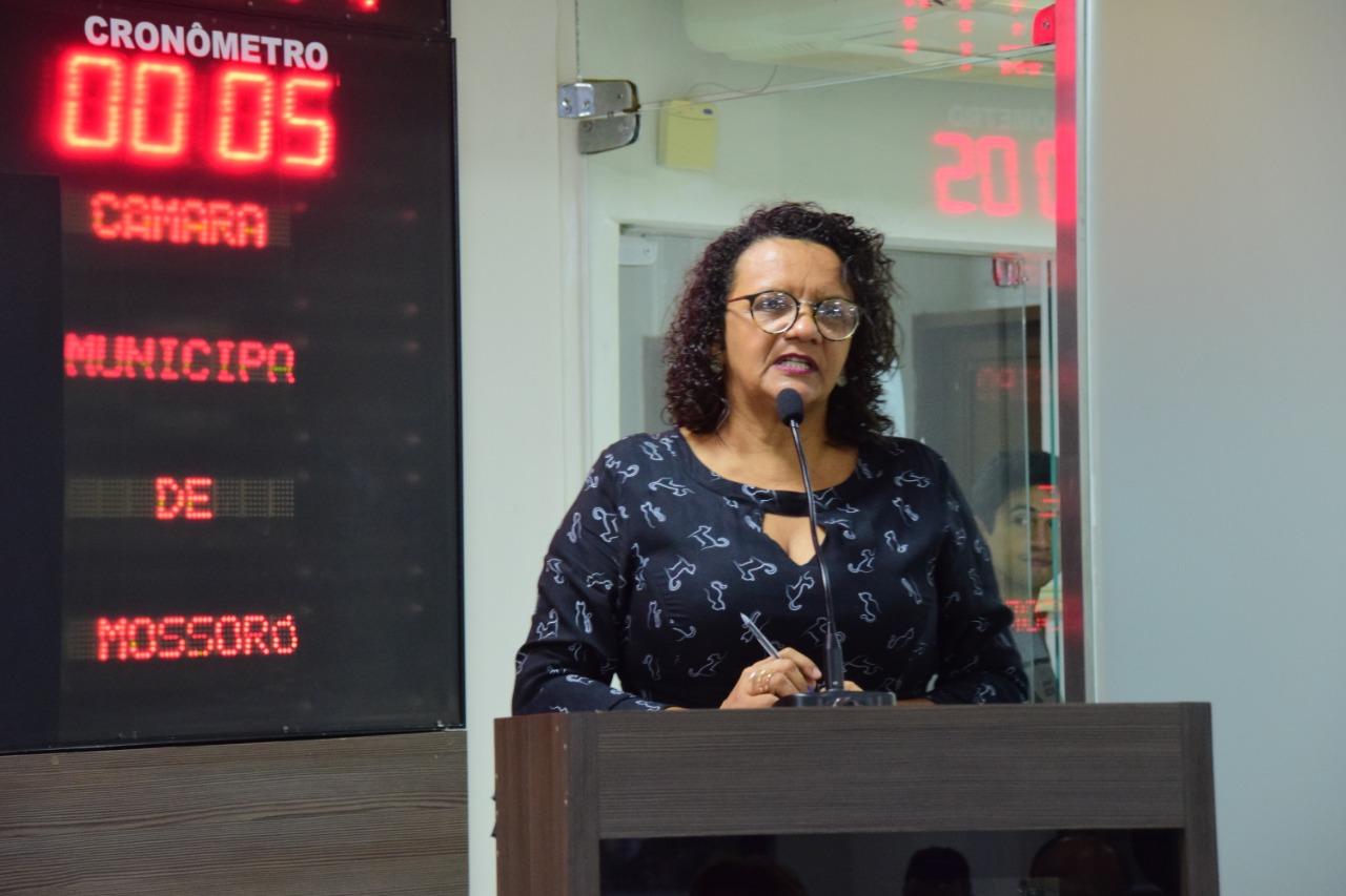 Aline Couto expande projeto Mão Amiga em bairros de Mossoró