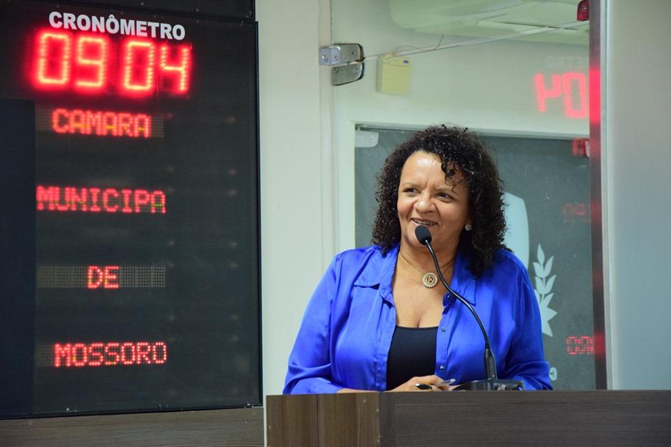 Aline Couto pede melhorias em ruas e estradas vicinais