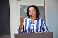 Aline Couto pede que Estado providencie bolsas de ostomia