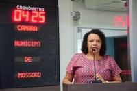Aline Couto propõe abrigos e continuidade de merenda