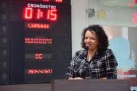 Aline Couto registra ônibus para conjunto Santa Júlia