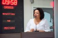 Aline  Couto solicita à Prefeitura higienização das paradas de ônibus