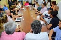 Câmara acompanha assinatura de convênio entre Caixa Econômica e Prefeitura para realização de obras
