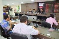 Comissão de Constituição e Justiça analisa projetos em reunião