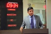 Decreto presidencial gera críticas do vereador Alex Moacir