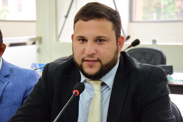 Emílio propõe escolas como abrigos provisórios