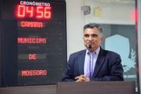 Francisco Carlos alerta para redução de investimento na Uern