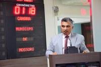 Francisco Carlos comemora reajuste dos professores municipais