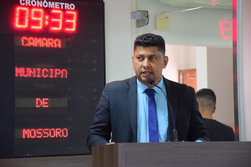 Genilson Alves cobra transparência nos poderes e condena perseguições