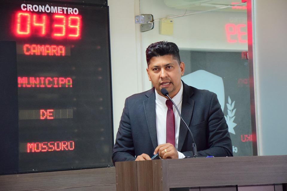 Genilson Alves critica contrato para terceirização