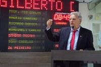 Gilberto Diógenes faz apelo por fim de impasse sobre greve