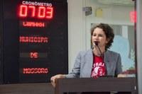 Isolda inicia despedida da Câmara em discurso no plenário