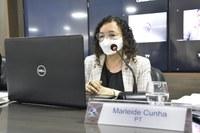 Marleide Cunha apresenta pleitos em favor da educação