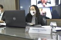 Marleide Cunha explica necessidade da reserva técnica de vacinas feita pelo Estado