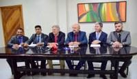 Oposição anuncia que acionará Justiça sobre empréstimo
