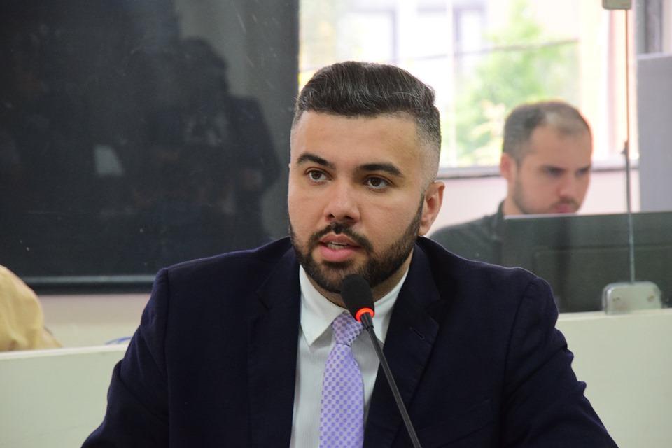 Petras apoia mobilização contra cortes em universidades