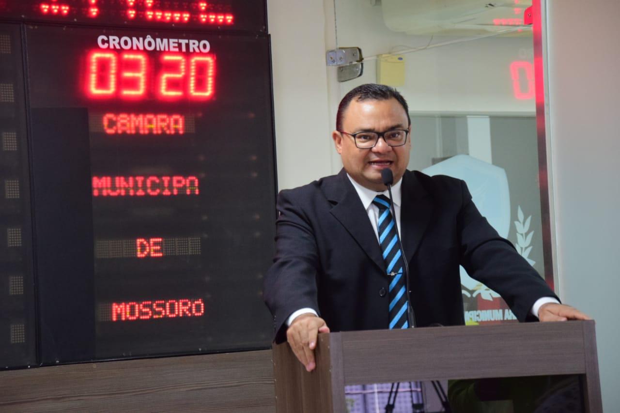 Vereador Rondinelli Carlos destaca importância da Melipolicultura